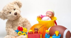pack de juguetes para niños, oso, pelota,tren, balde